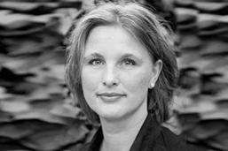 Melinda Delst portrait web p