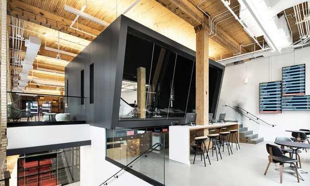 Travel Centre Toronto, una vieja fábrica remodelada por Quadrangle