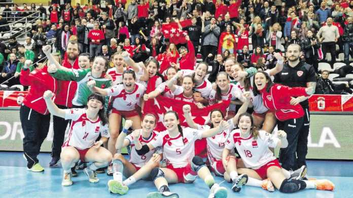 jugadoras del BASE Villaverde campeonas de España