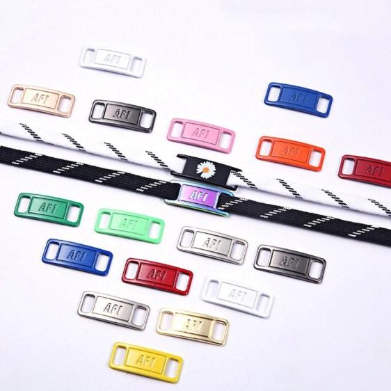 Hebillas personalizadas para los cordones de tus zapatillas 3