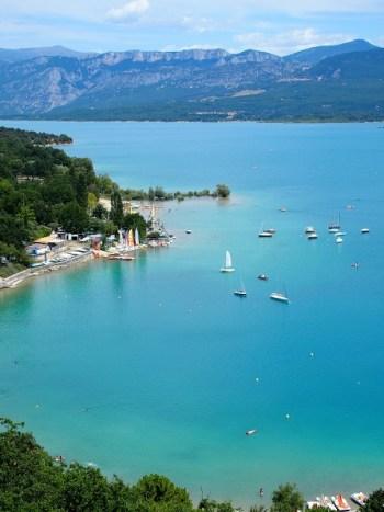 Uitzicht over het Lac vanaf Sainte Croix.
