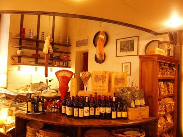 Leuke food stores kom je overal in Lucca tegen!