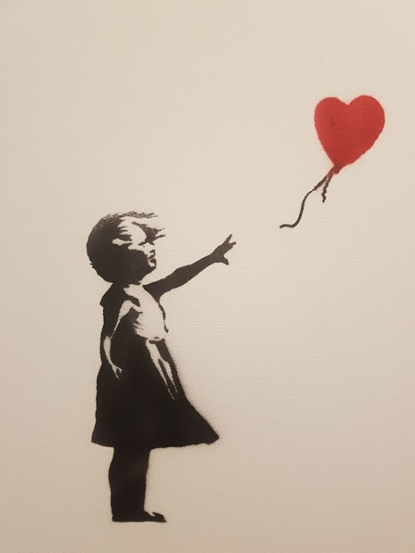 Banksy Girl Balloon Moco