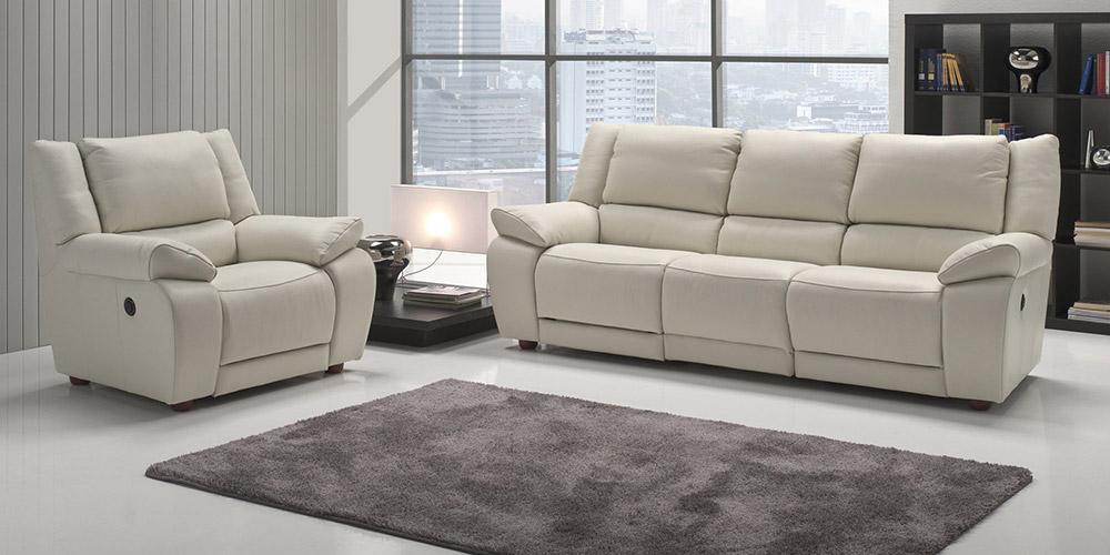 Da chateau d'ax si possono trovare tutti i tipi di divano: Divano In Pelle Divano In Tessuto Modello Casanova