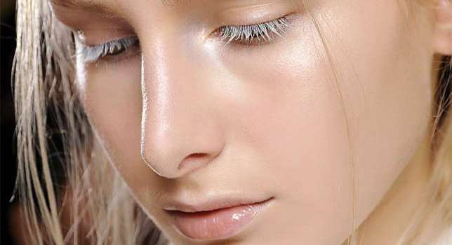 Makeup Trend Alert!: Is Strobing the new Contouring?