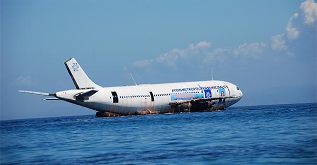צפו - טורקיה הטביעה מטוס איירבס כדי לקדם את תיירות הצלילה למדינה (1:15 דק')