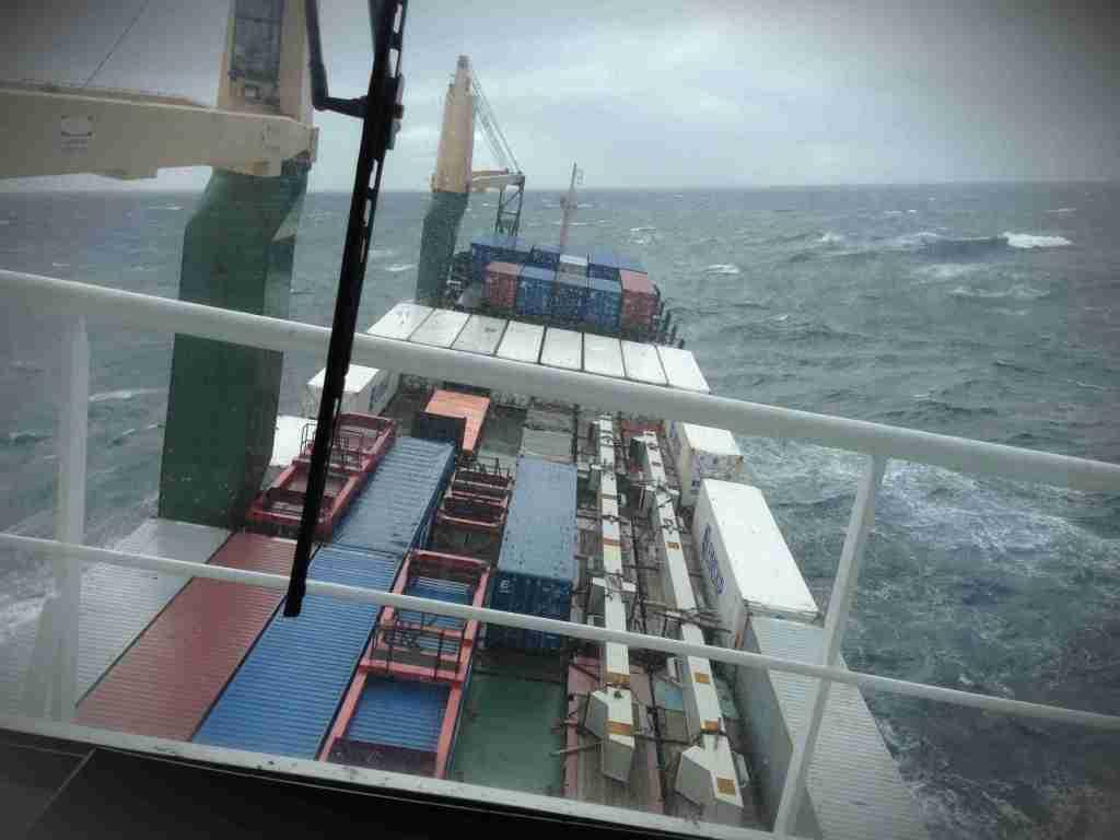 For å krysse Atlanterhavet, haiket Torbjørn med et containerskip.