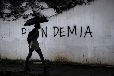 """Costa Rica, un país """"en shock"""" pandémico ante unas elecciones de muchas bandas"""