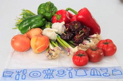 verduras para los gazpachos marineros de dorada y otros organismos del mar y la huerta