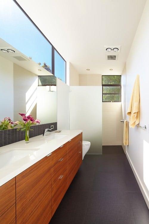 25 Most Brilliant Long Narrow Bathroom Ideas Thatll Drop