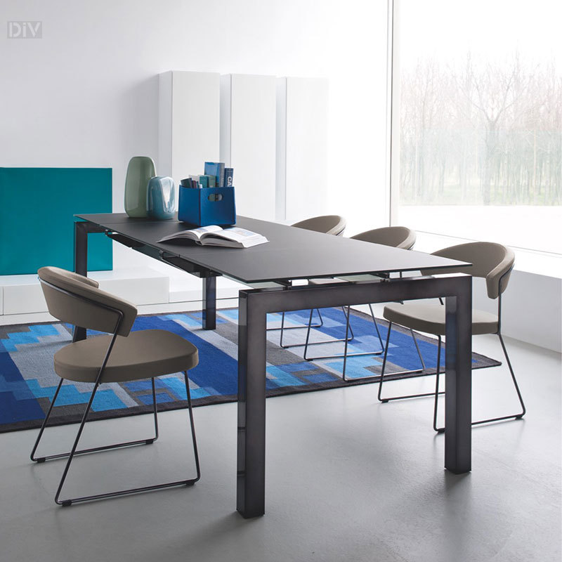 Airport Extendable Dining Table. Dining Tables. Dining