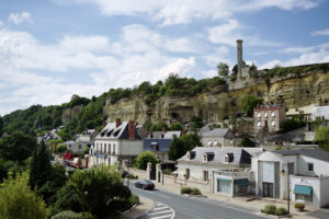 Visiting Vouvray region : Rochecorbon village