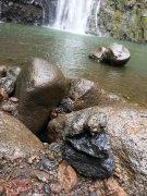 Unser Stoanamandl beim Wasserfall