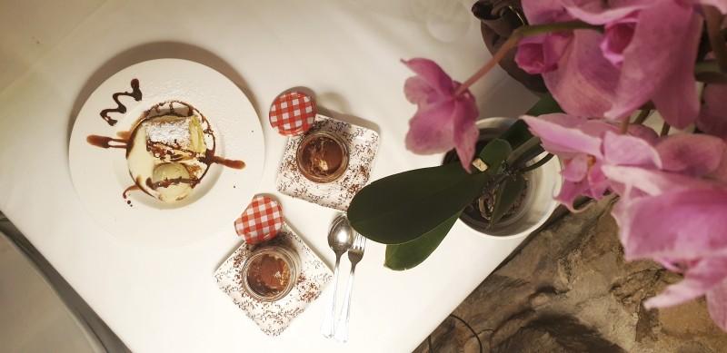Mousse de chocolate de Mendaro con helado de higos de Belaustegi