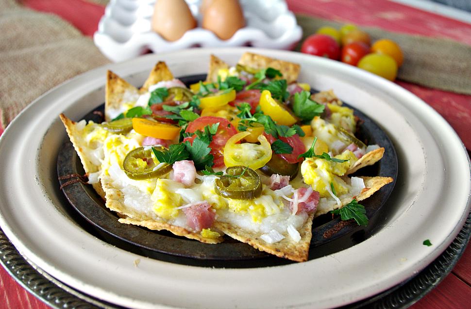 Breakfast Nachos | Dixie Chik Cooks