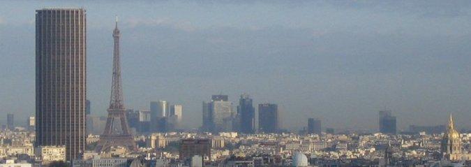 Eiffeltornet, inte längre ensam silhuett