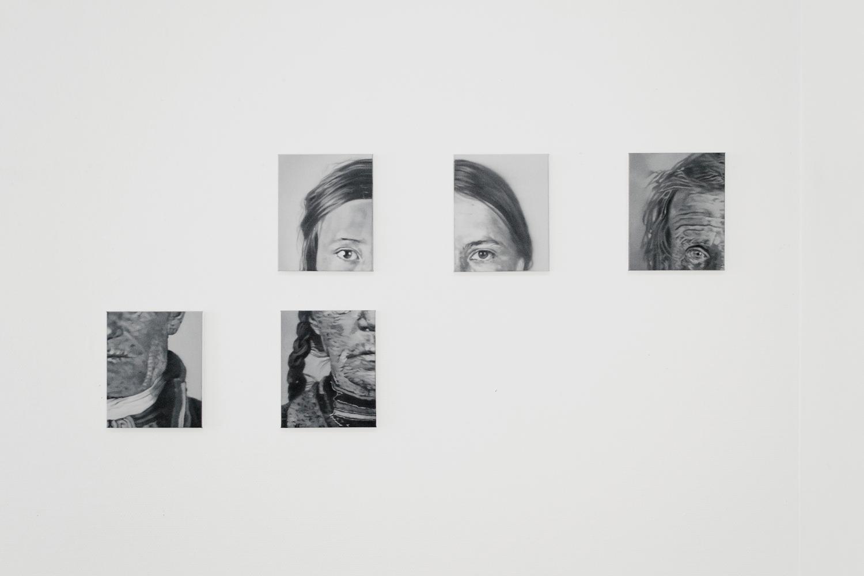 © Tomas Lundgren -  Installationsbild (II). Studies on Degeneration, 2014. Olja på duk, 22 x 27 cm, 14 delar. Foto: Fredrik Åkum © Lundgren arbetar i sin konst bla just med minnet av andra