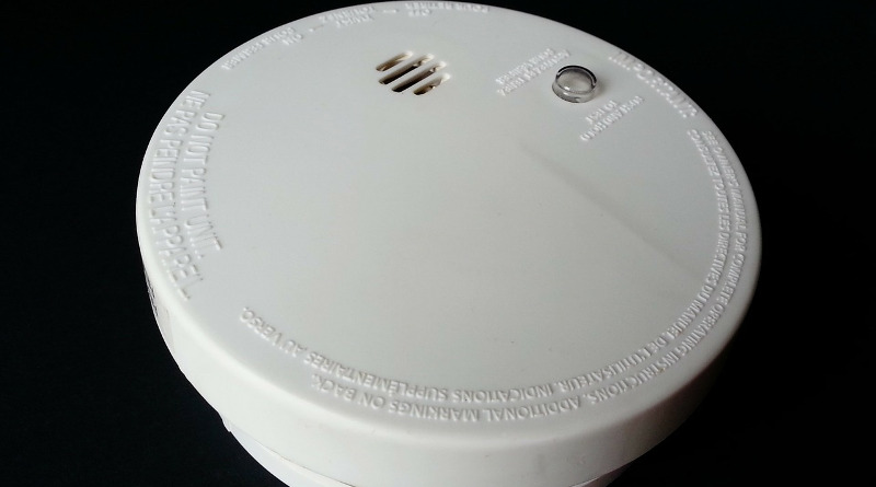 fitting a smoke detector
