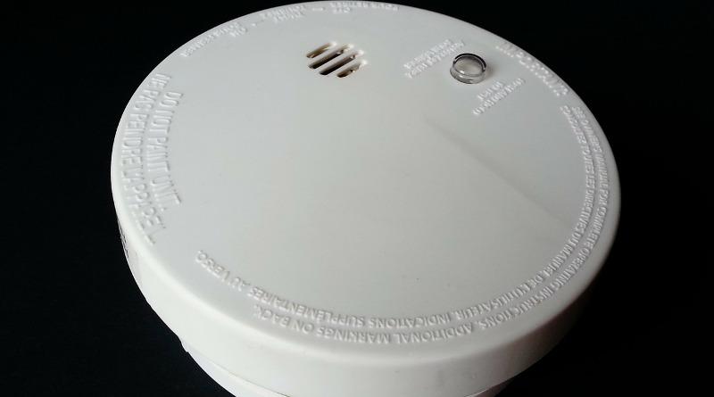 fitting a smoke detector