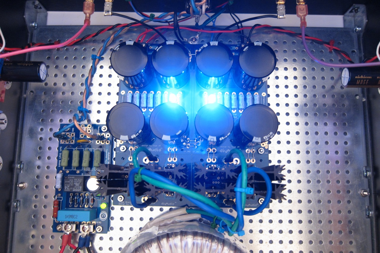 Another Symmetric Power Supply Without Center Tapped Transformer
