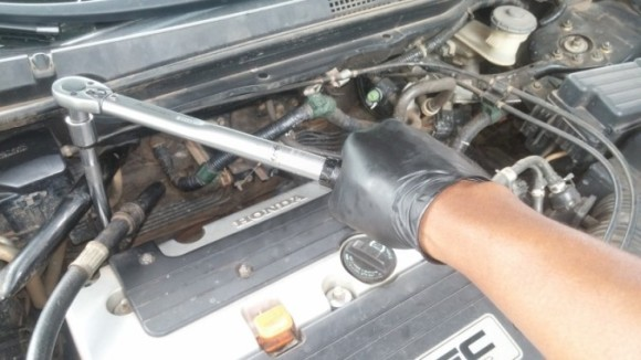 Replacement of Leaking VTEC Oil Pressure Switch on the 2003 Accord