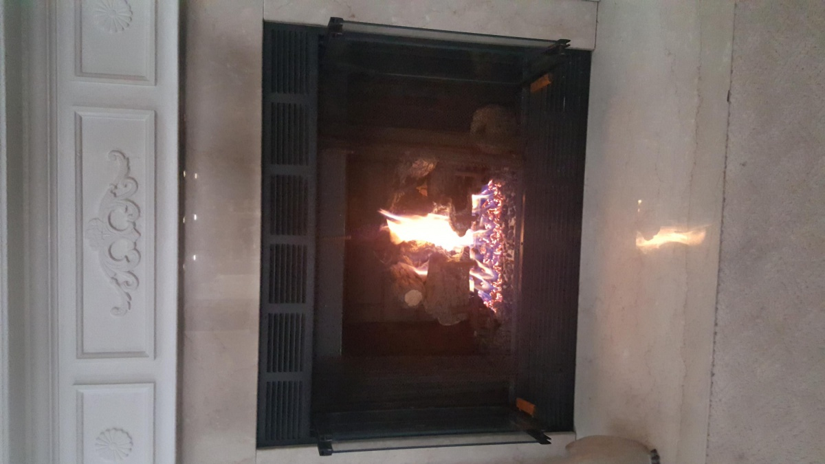 Gas Fireplace...black Soot On Mantle Area?