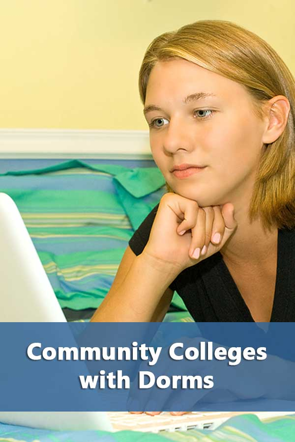 Advantages of attending a community college and a list of community colleges with dorms and meal plans.