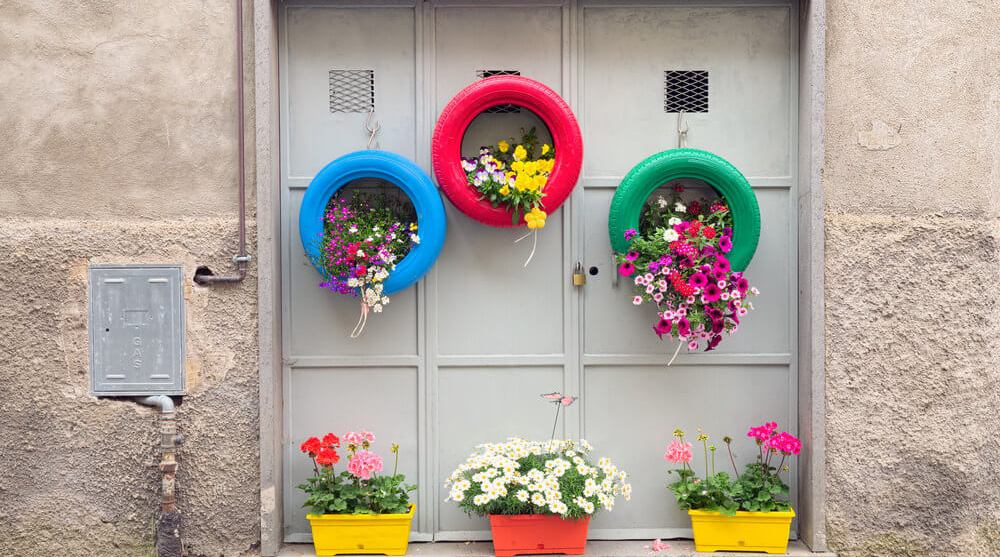 How To Make DIY Hanging Tire Planters For Your Garden