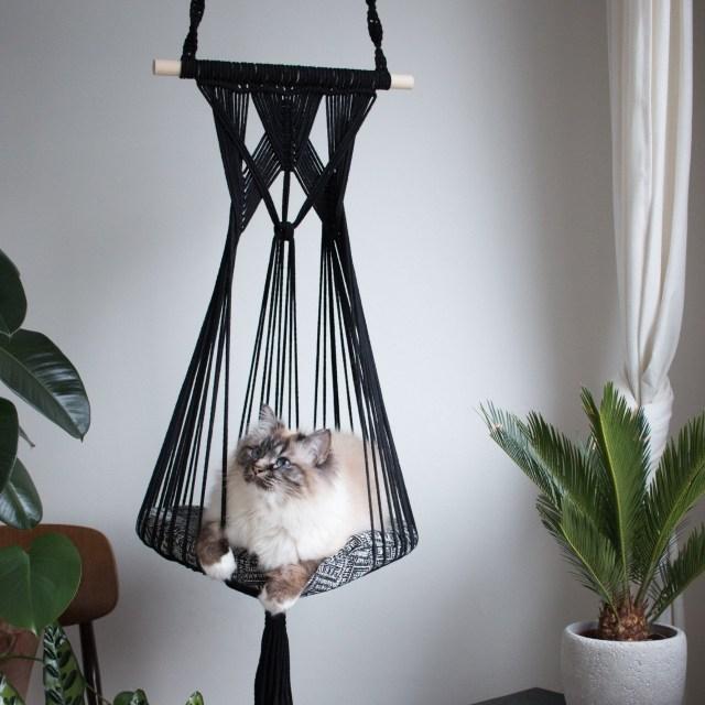 Hanging Baset Cat Bed DIY