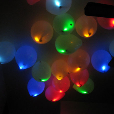 DIY Craft Zone DIY Light Up Balloons  DIY Craft Zone