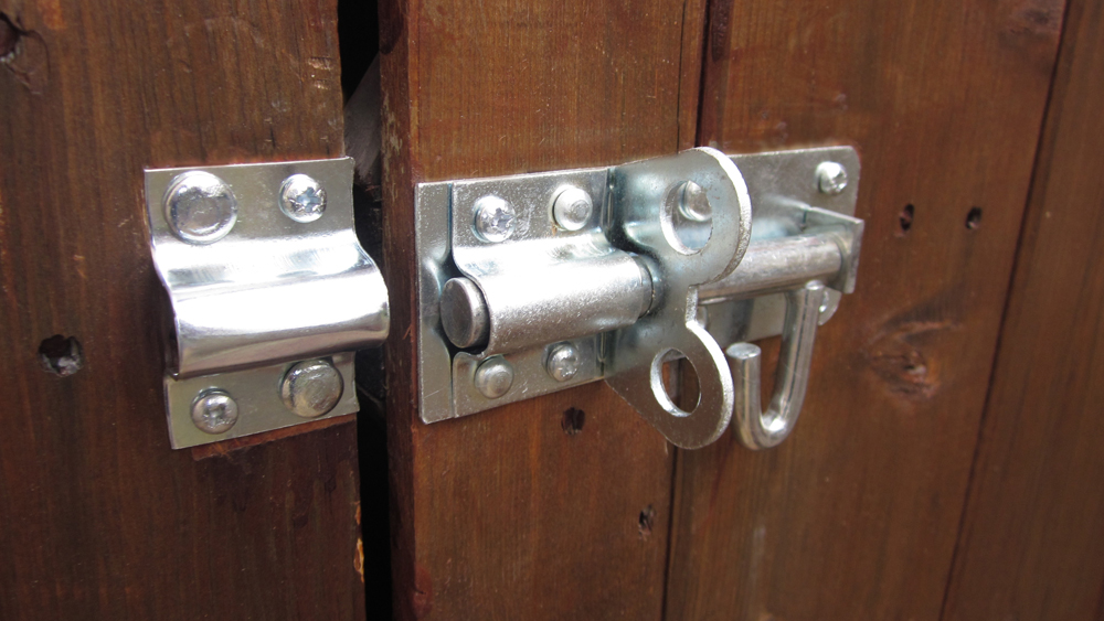 Fitting A Shed Lock How To Fit A Bolt Lock Or Brenton