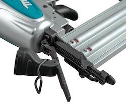 Makita AF506 nail clearing mechanism