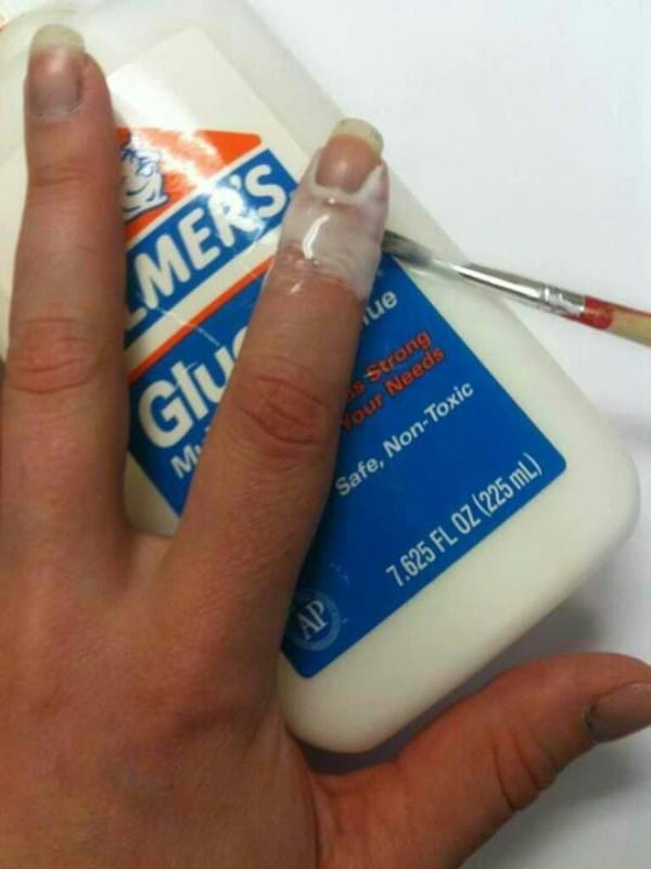 Via Elmer S Glue For The Perfect Manicure 40 Diy Beauty That Are Borderline Genius