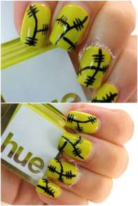 15 Creative Spooky Halloween Nail Art Ideas  chuckiesblog