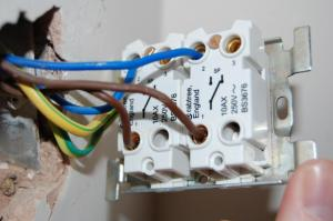 help required  fitting a 2 gang dimmer | DIYnot Forums