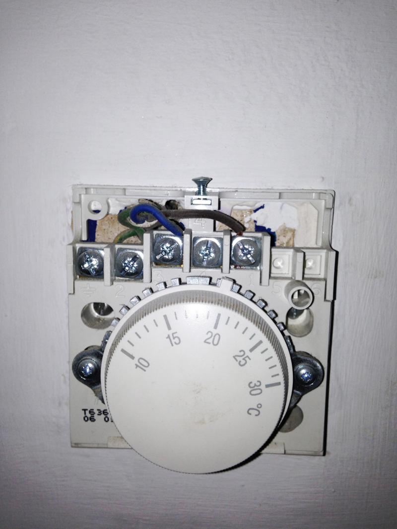 Wiring Dial Thermostat Also With Replacing Thermostat With Digital