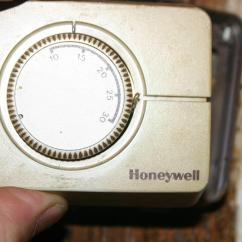 Two Way Wiring Diagram Electric Heat Thermostat Replace Old Honeywell With Cm907 | Diynot Forums