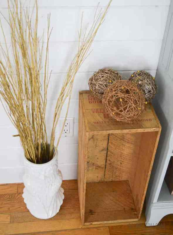 Use natural elements for neutral holiday decor