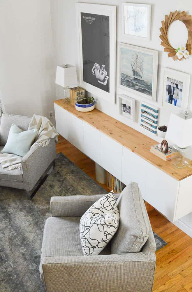 How to use basic cabinets in the living room