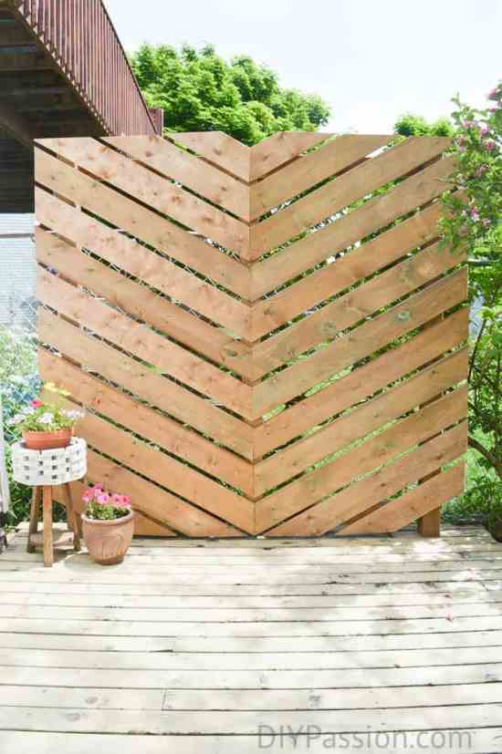 How to build a simple chevron outdoor privacy wall for Natural outdoor privacy screens