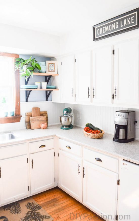 home-tour-open-shelves-in-kitchen-diypassion-com