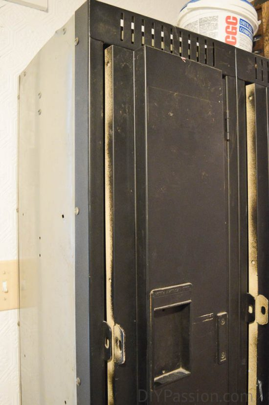 vintage-metal-lockers-before-close-up