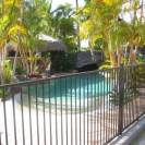 Flat top aluminium pool fence