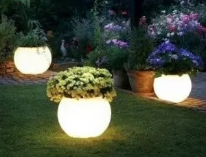 DIY_Emergency_Lighting_Glow_Planters