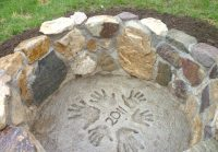 17 Backyard DIY Fire Pit Ideas (THAT WILL QUICKLY IMPRESS)