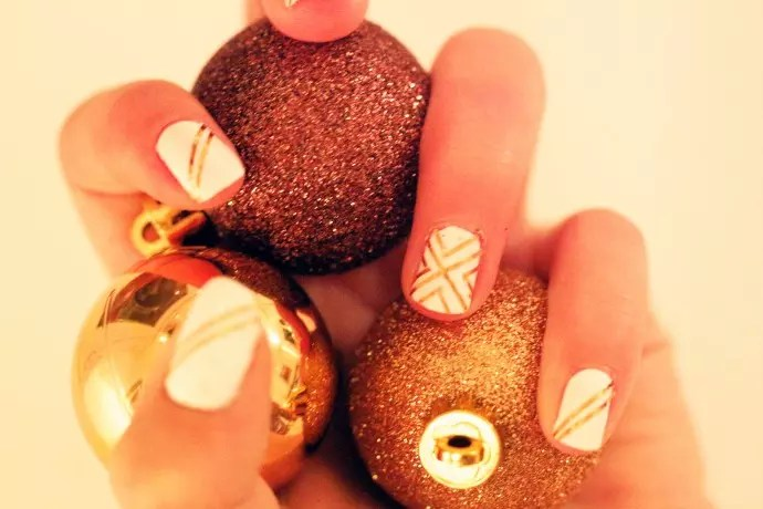 christmas gold nails
