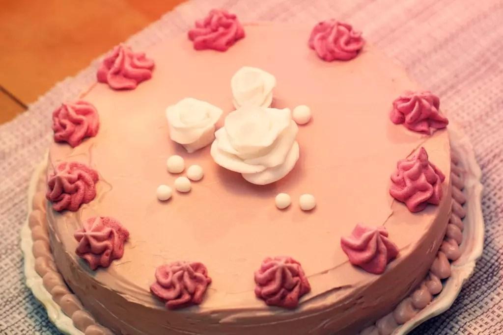 hallonmarängtårta