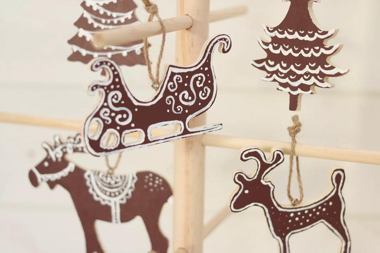 Juldekorationer i trä