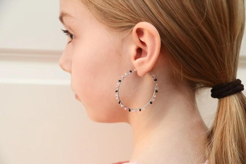 Örhängen av Rocaillespärlor