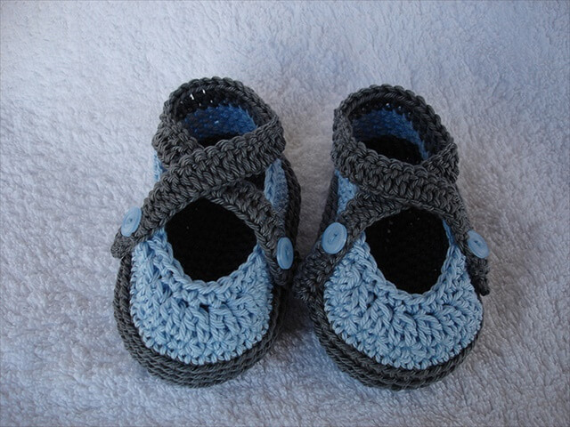 Cute Baby Girl Booties Knit Pattern